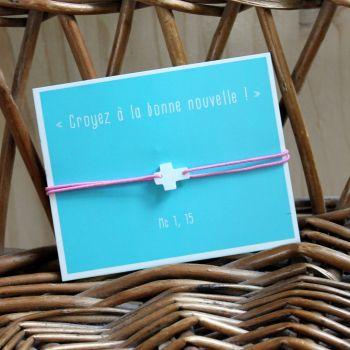 Bracelet rose croix en nacre