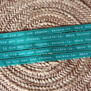 Bracelet ruban vert tendre