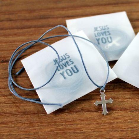Croix et lien en coton bleu