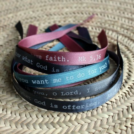 Bracelets ruban parole d'Evangile en anglais